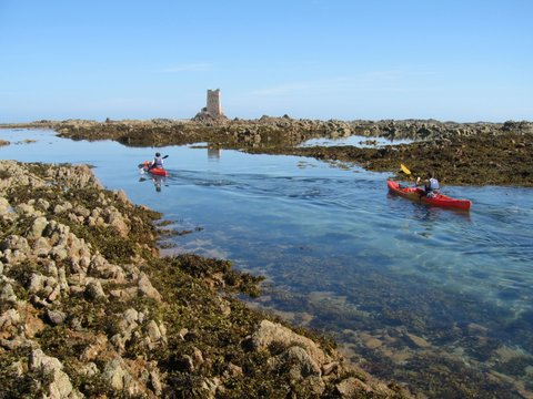 sea-kayaking-to-Seymour-Tower-in-Jersey.IMG_3313.jpg